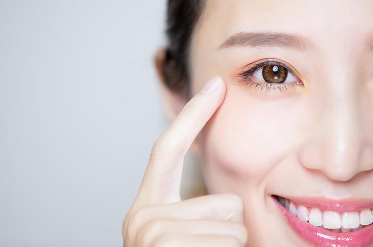まぶたが下がって、目が開きづらくなる<br>眼瞼下垂(がんけんかすい)について解説します